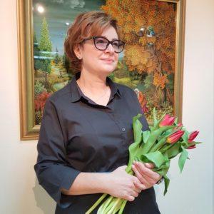Директор картинной галереи, заслуженный художник РФ Марина Домникова